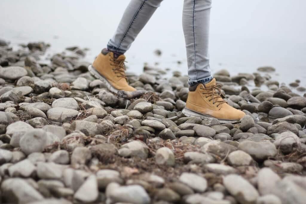 f746d00f12f Innan vi gräva djupare in på detaljer i enskilda modeller, låt oss först  prata om när skorna är lämpliga och hur man hittar det bästa paret för dina  fötter!